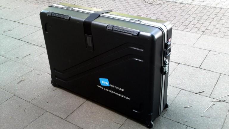 68a0e1a6211a Bringaszállítás repülőn is biztonságosan? Bérelj B&W koffert az Evobike-tól!